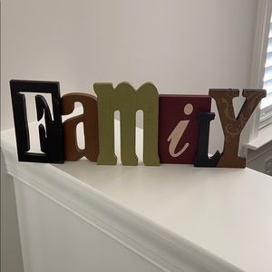 FAMILY decorative sign - can add hooks to hang